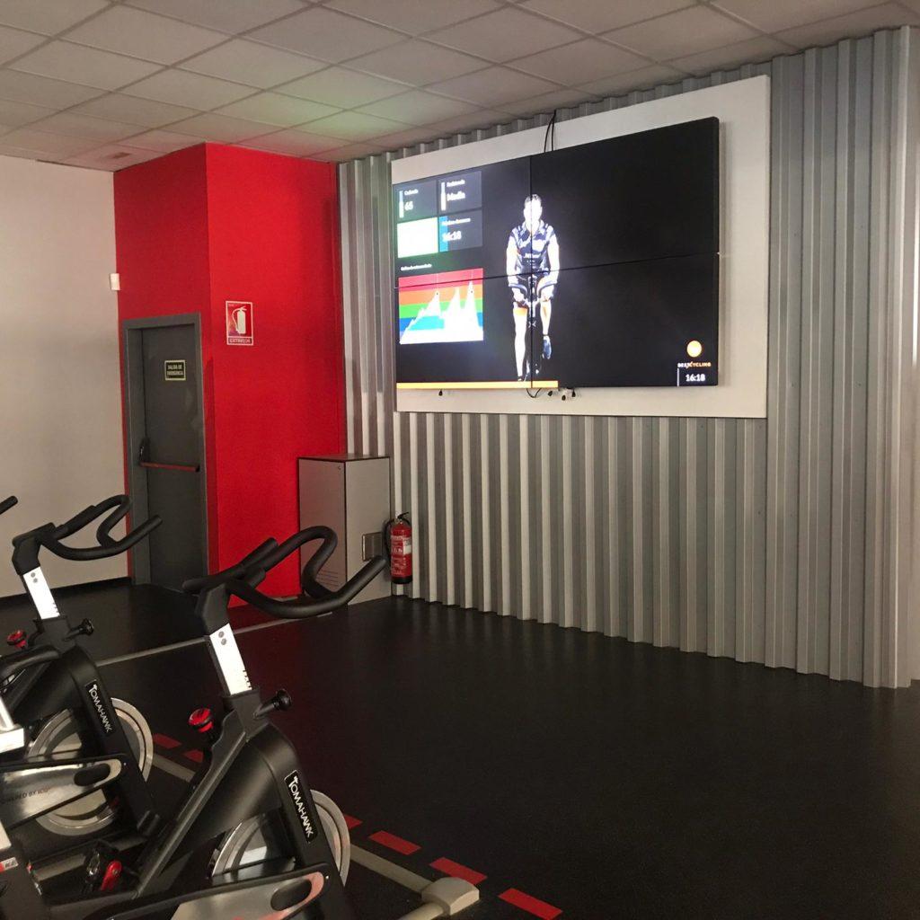 Venta e Instalación de Videowall. Audiovisuales Mister Mix. Fitness 19