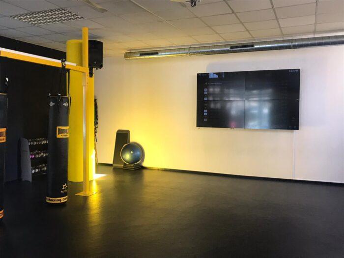 Centro Deportivo Fitness19 Castelldefels. Audiovisuales Mister Mix