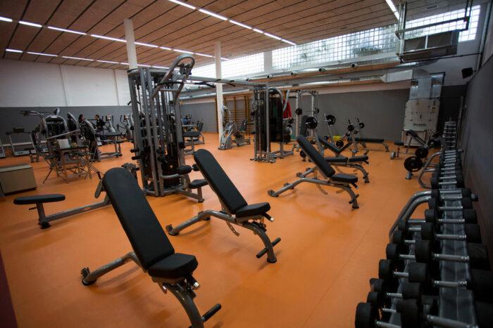 Instalación Economica para Sala de Fitness. Audiovisuales Mister Mix