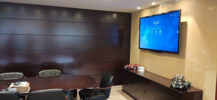 Instalación Audiovisual para Videoconferencias en Sala de Reuniones. Mistermix