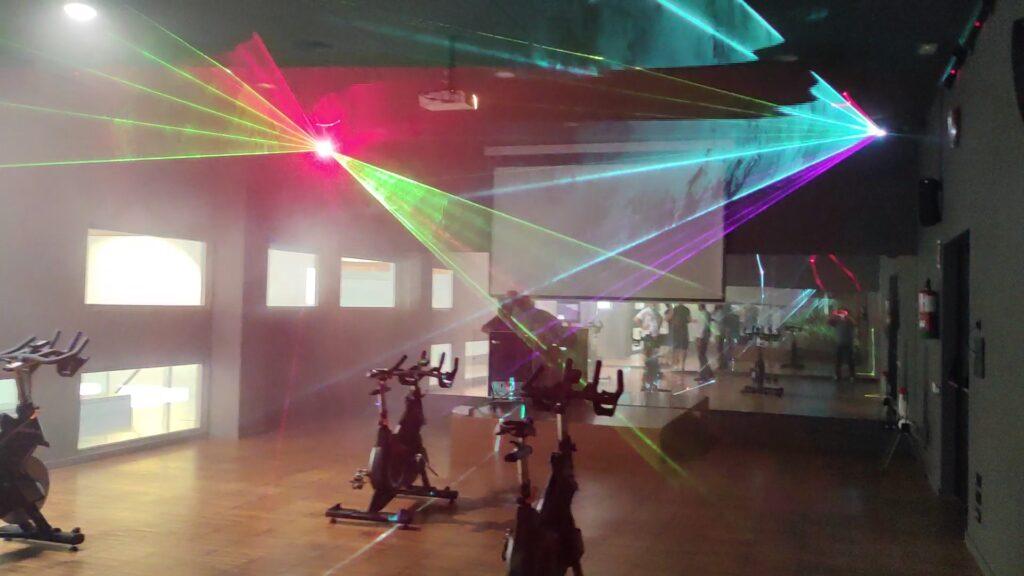 Reforma Audiovisual de Centro Deportivo. Láser Multicolor