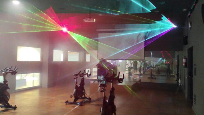 Reforma Audiovisual de Centre Esportiu. Làser Multicolor