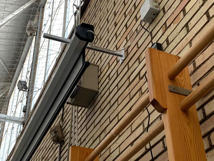 Instal·lar Pantalla de Projecció en Col·legis. Audiovisuales MisterMix