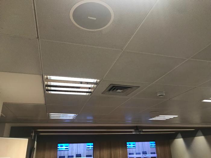 Instalación de Sonido para Videoconferencias en Auditorios. Mistermix